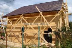 строительство крыши дома с кровлей из металлочерепицы
